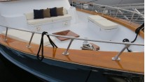 Yacht REFLECTIONS -  Foredeck Seating